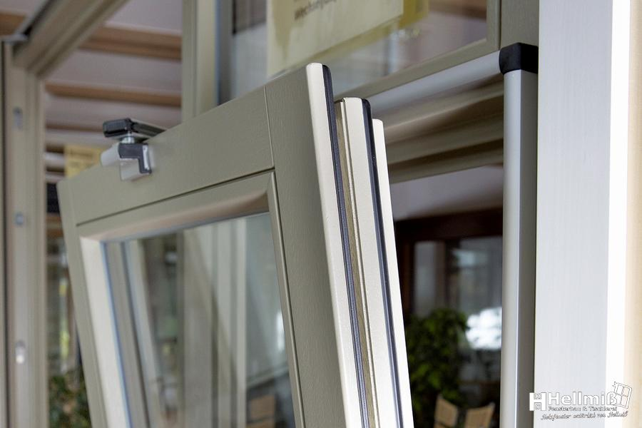 parallel schiebe kipp t r holzfenster hellmiss. Black Bedroom Furniture Sets. Home Design Ideas